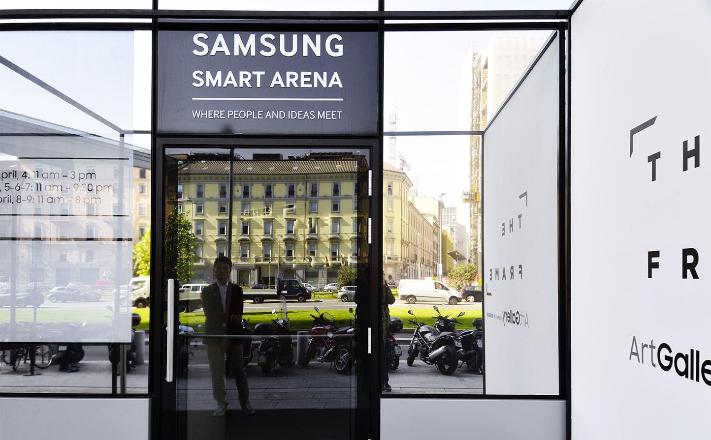 The frame fuorisalone 2017 timor sanz for Samsung arena milano